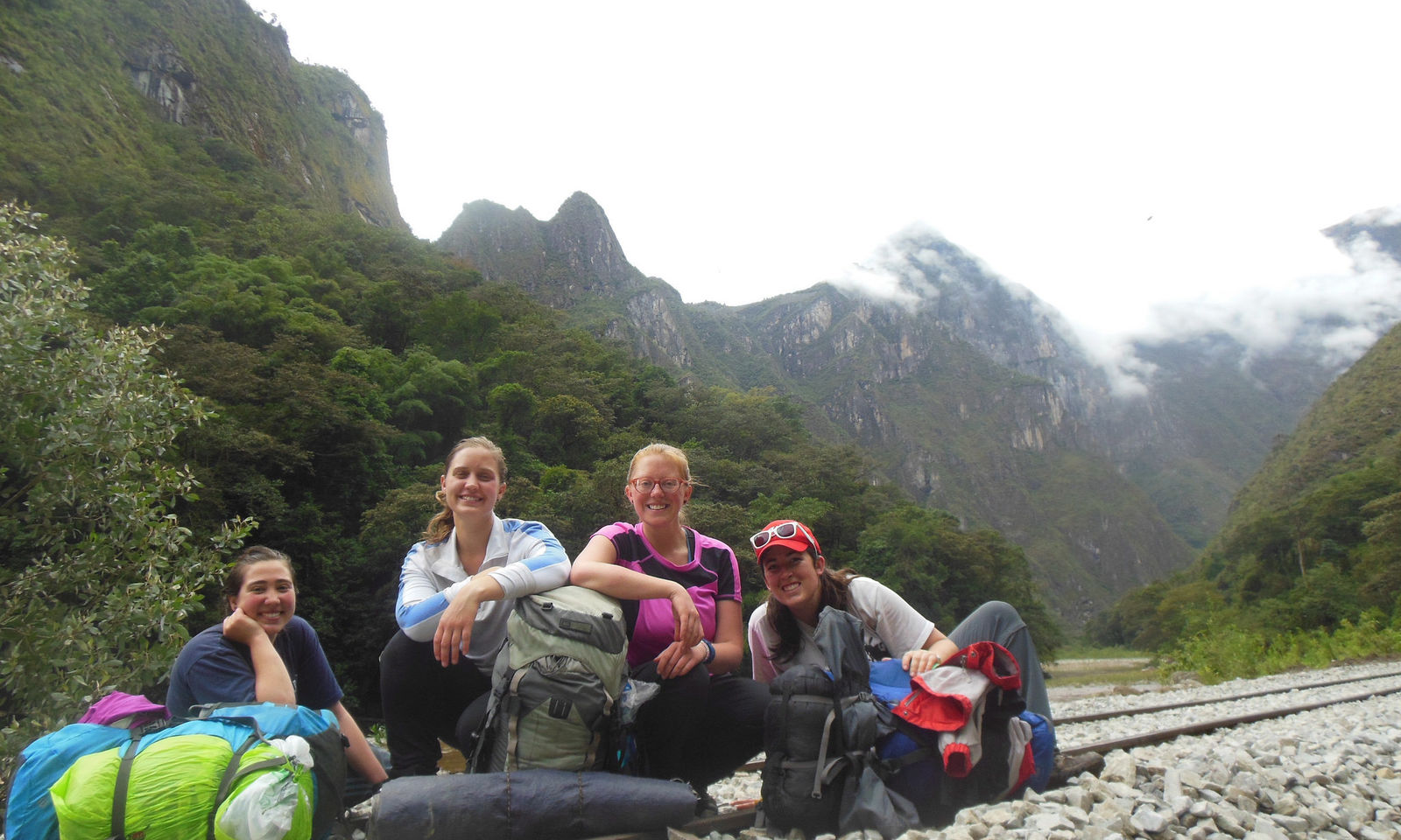 Shrader and her JVC housemates in 2014 during a hike.
